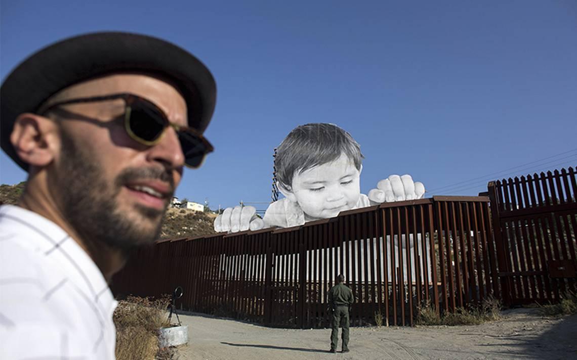 Kikito, el bebé que se asoma del otro lado de la frontera