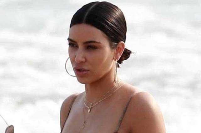 Bikini de Kim Kardashian exhibe que su trasero no es perfecto