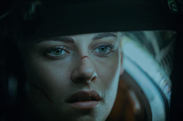 Kristen Stewart da una mirada íntima a Norah de Amenaza en lo profundo