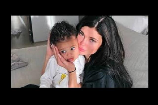 Kylie Jenner sufre un golpe en la cara por parte de su hija