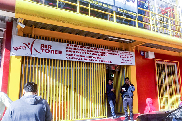 Rescatan a joven secuestrado en gimnasio de La Flor