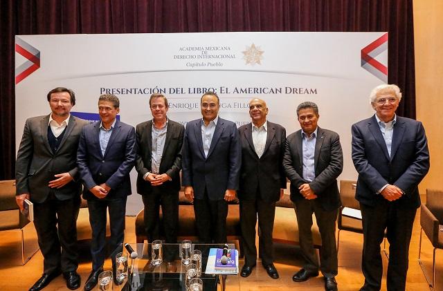 Presentan en Puebla el libro: El American Dream, de Enrique Berruga