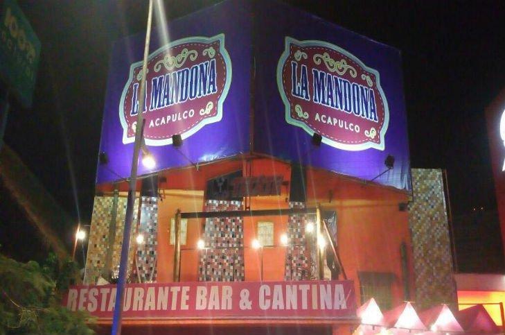 Despiden a funcionaria federal por balacera en bar — Acapulco