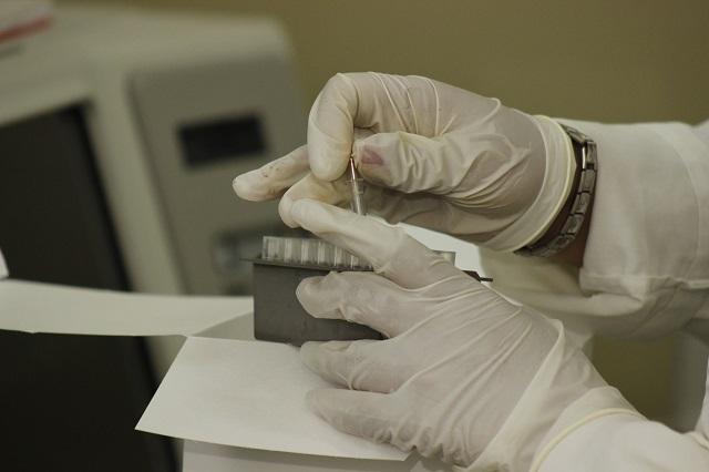 Ofrecen 4 laboratorios pruebas de Covid-19 en Puebla