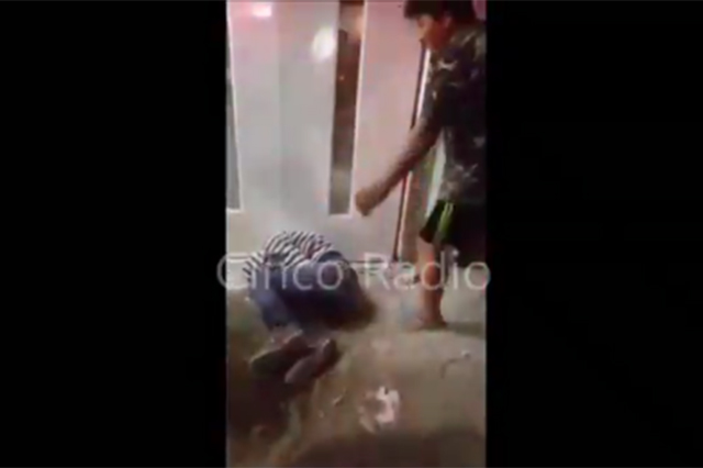 Muelen a patadas a presunto ladrón en colonia Santa Lucía