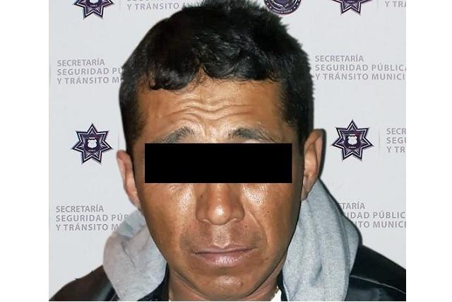 Asaltan a clientes de restaurante en La Paz; policía atrapa a ladrón