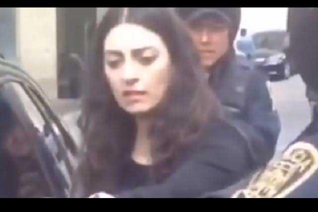 #LadyAudi Joven atropella, choca, intenta huir e insulta a policías