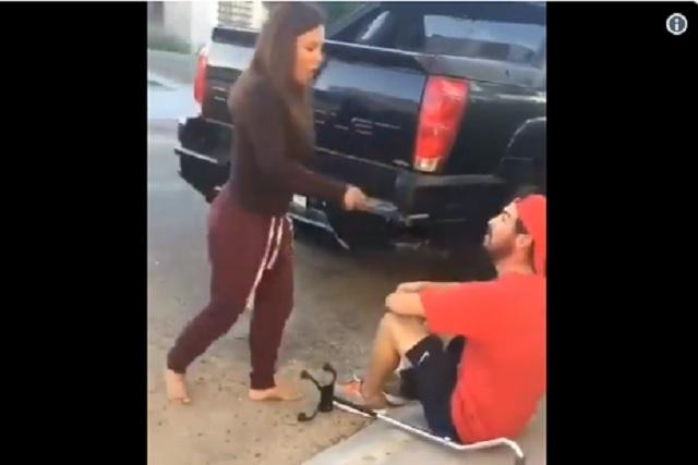 Lady Departamentos: Mujer golpea y humilla a joven