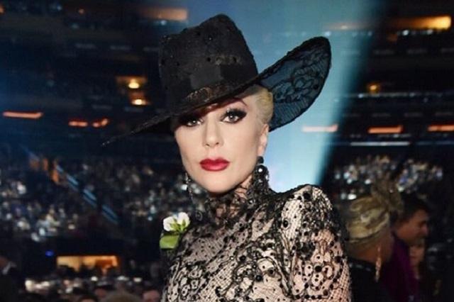 Lady Gaga impacta con fotos desnuda y así reaccionaron fans