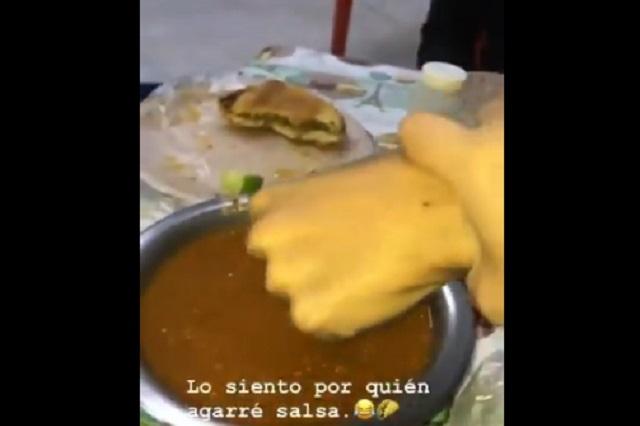 Lady Marrana: Chica mete mano de su amigo en salsa de una taquería