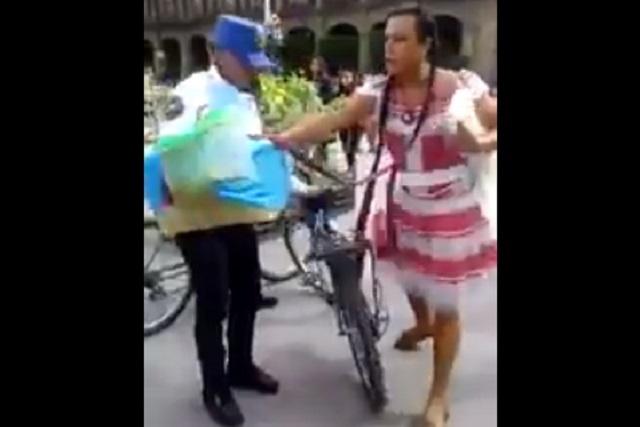 Lady Tacos reaparece y tiene altercado con policías en FIL del zócalo