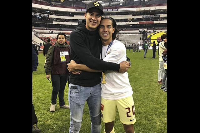 La emotiva despedida de Mauro a Diego Lainez