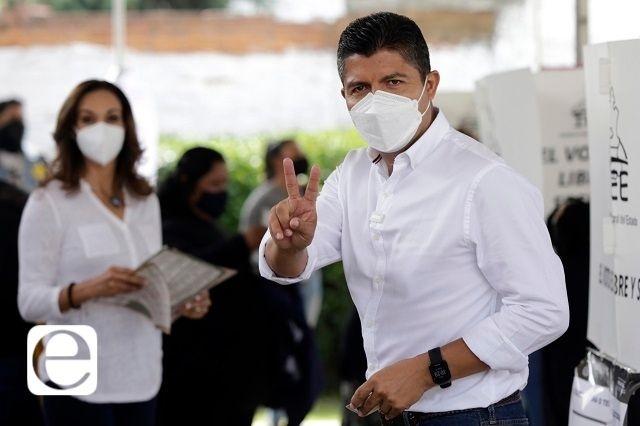 Eduardo Rivera, con ventaja de 10 puntos