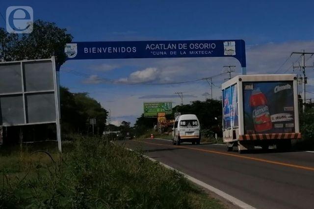 Apedrean carros en Las Adelfas en Acatlán; piden vigilancia