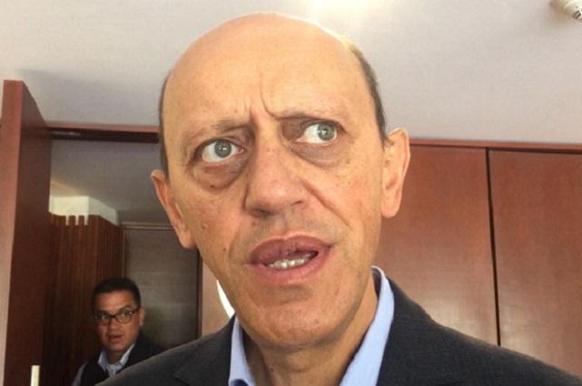 Mario Riestra quiere ganar adeptos con billetazos, acusa Lastiri