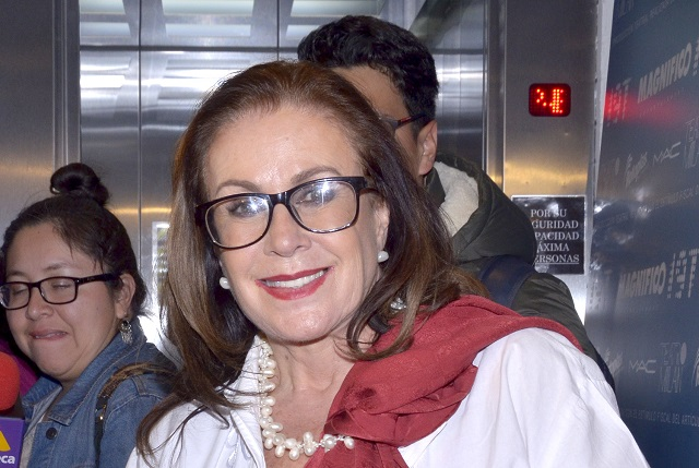 ¿Si toma, no maneje, la recomendación de Laura Zapata a Ernestina Sodi?
