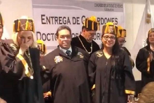 Congreso de la CDMX no dio Honoris Causa a Laura Bozo