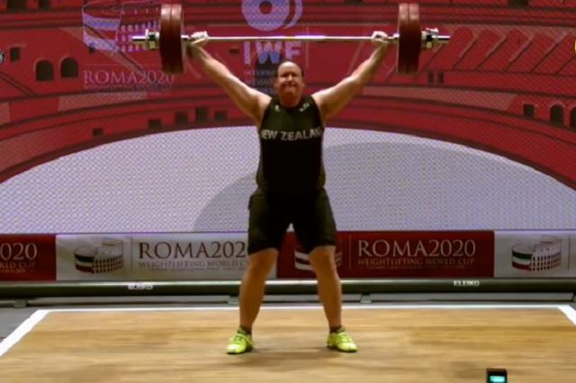 Laurel Hubbard será la primera pesista trans que acudirá a unos Olímpicos