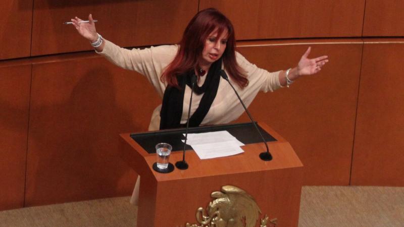 Layda Sansores rechaza haberse gastado 700 mil pesos en tintes y joyería