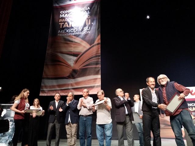 Advierte Taibo proyectos para promover lectura en Puebla