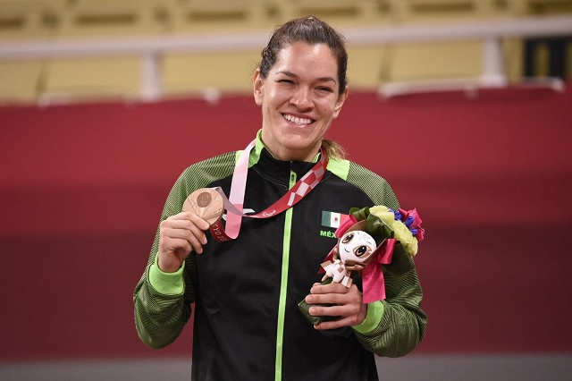 Lenia Ruvalcaba dedica bronce a su entrenador fallecido