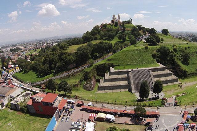 Pide INAH modificar obras en Cholula por tapar vista a pirámide