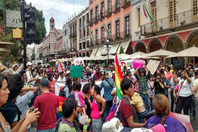 Marcha comunidad LGBTTTI Puebla  en favor del  matrimonio igualitario