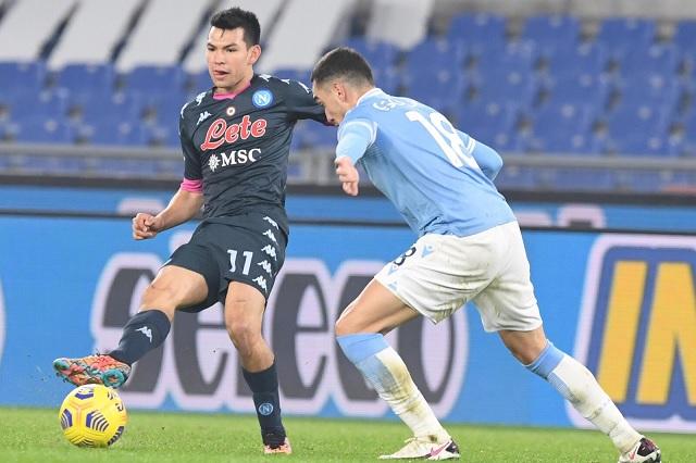 Napoli cae 2-0 ante Lazio y pierde a 'Chucky' Lozano por lesión