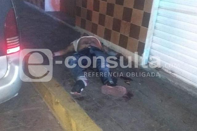 Asesinan a uno y levantan a pareja en bar de Ciudad de Serdán