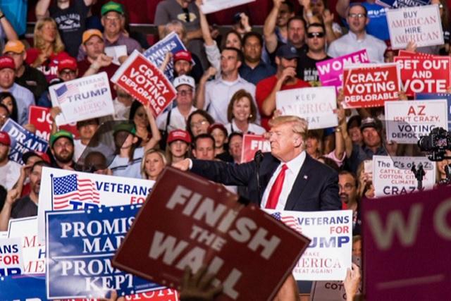 Trump dice que podría crear nuevas leyes migratorias en menos de una hora