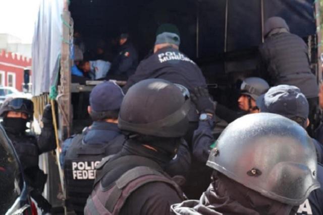 Liberan a 20 policías de Serdán; quedan 16 a disposición de FGE