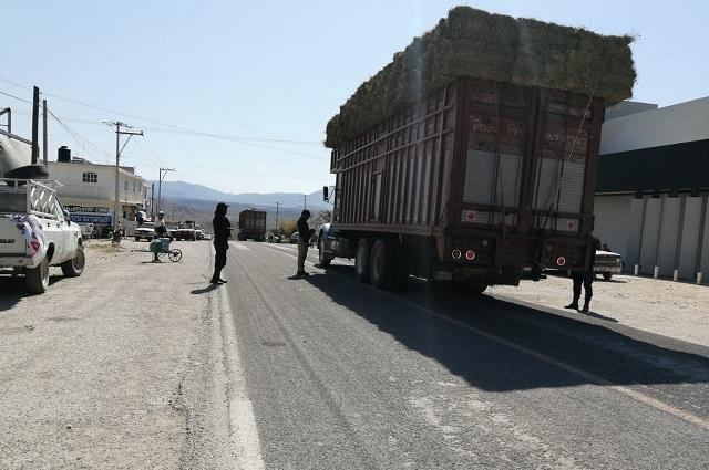 Ejidatarios liberan carretera de Zapotitlán, esperan acuerdos