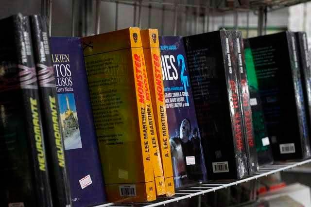 Cuatro de cada cinco alfabetas presumen hábito de la lectura