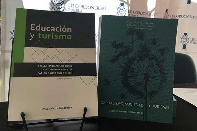 Universidad Anáhuac presenta libros sobre turismo como fenómeno social