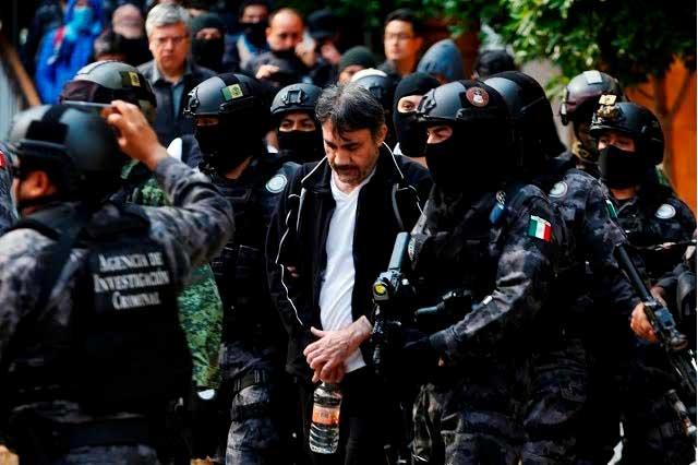 9 momentos en la vida de Dámaso López, El Licenciado