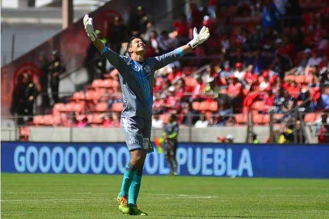 Pachuca manda en la Liga MX y Puebla rescata un punto
