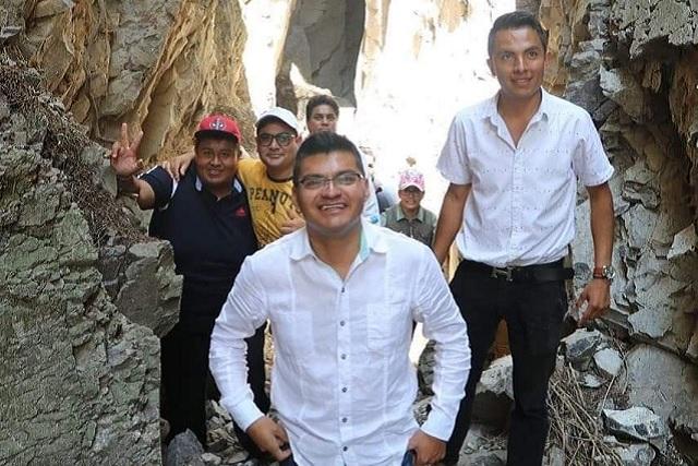 Hacen limpieza para rescate de excavación en Quecholac