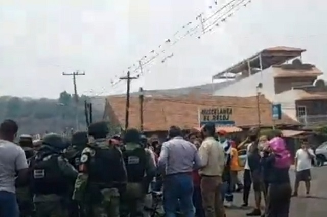 Mientras se manifestaba en Metepec ubican a un ladrón e inicia linchamiento