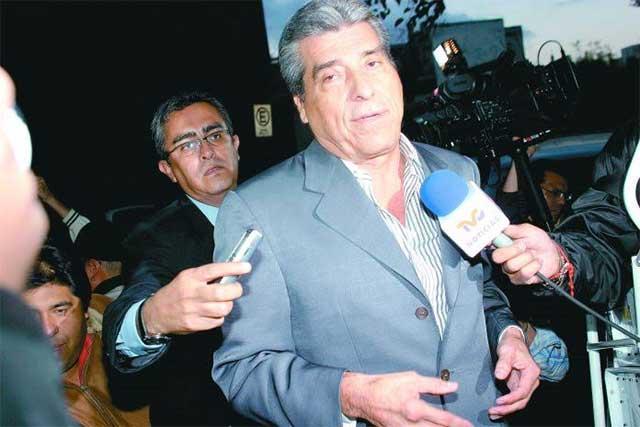 Vicente Fox tiene la lengua muy larga y vomita estiércol, dice Lino Korrodi