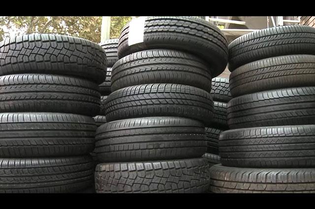 Le roban 3 neumáticos al priísta Jiménez Merino