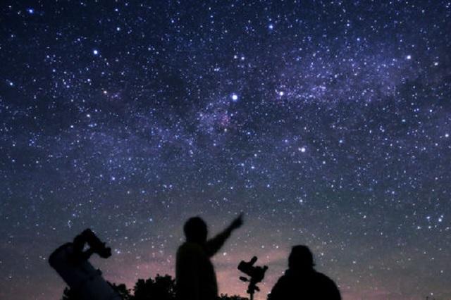Lluvia de estrellas de abril será de las más brillantes; te decimos cuándo verla