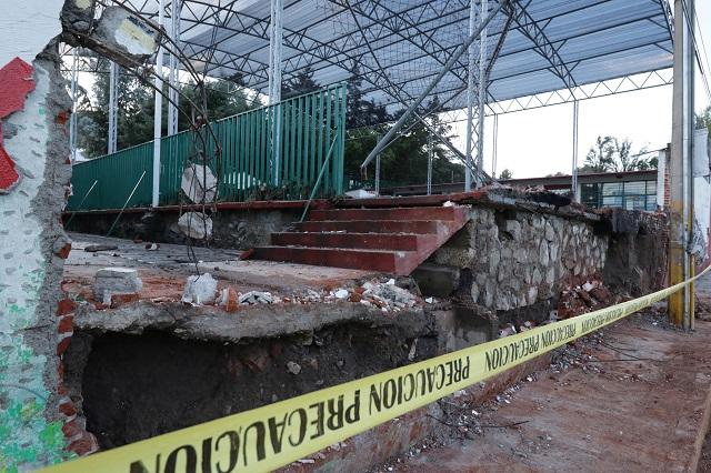 Por aguacero caen bardas y se inundan casas en Puebla