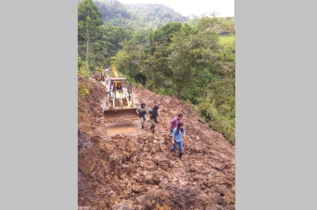 Lluvias causan colapso de puentes y daños en 350 viviendas de Tepatlán