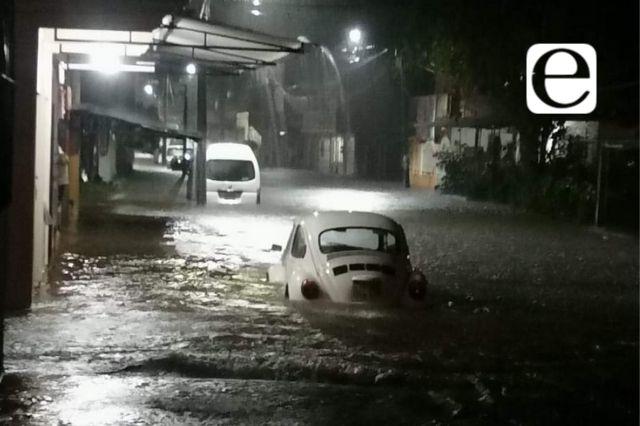 Fuertes lluvias provocan inundaciones en Xicotepec