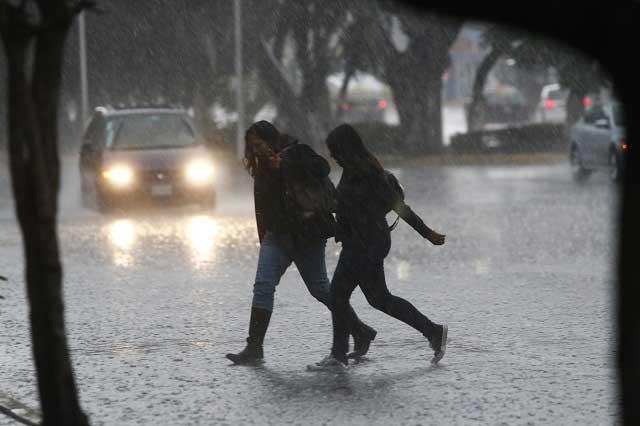 Sólo daños materiales dejan las lluvias en Izúcar, informa la SGG