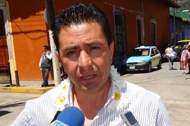 Va Porfirio Loeza por su tercer mandato en Tlatlauquitepec