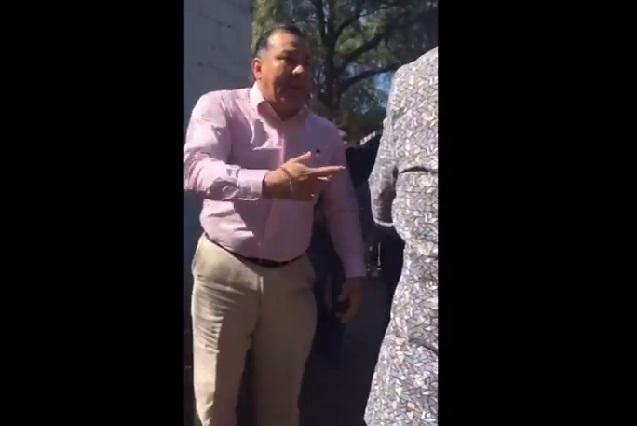 #LordPapa Sujeto golpea a chica que agredió a su hija y se dice influyente