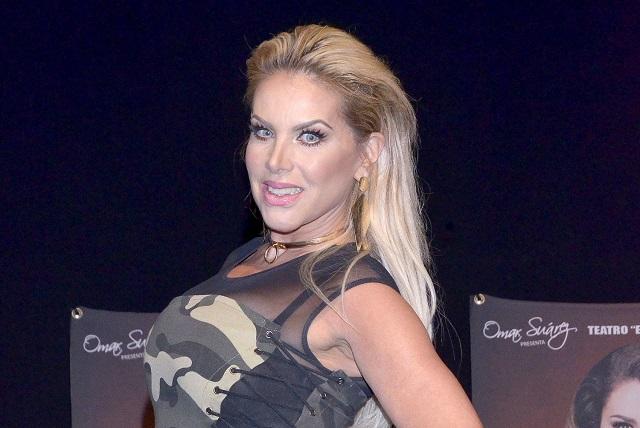 Video: ¿Lorena Herrera tocó partes íntimas de Montserrat Oliver?