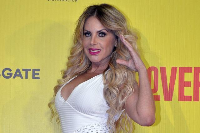 Lorena Herrera arremete contra Chiquis Rivera por posar desnuda en redes