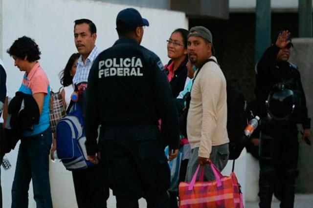 Blindan federales a maestros que presentarán evaluación en Oaxaca